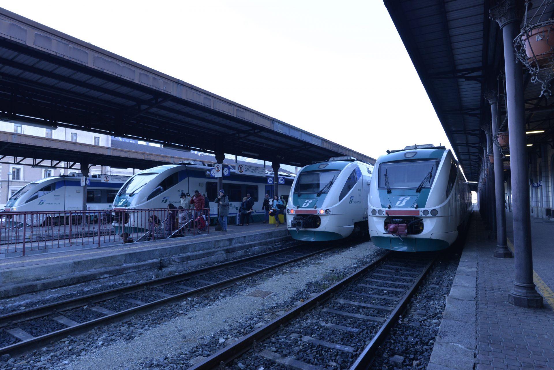 stazione di Aosta, ferrovia, treno
