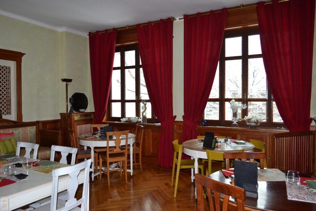 Mama Restaurant