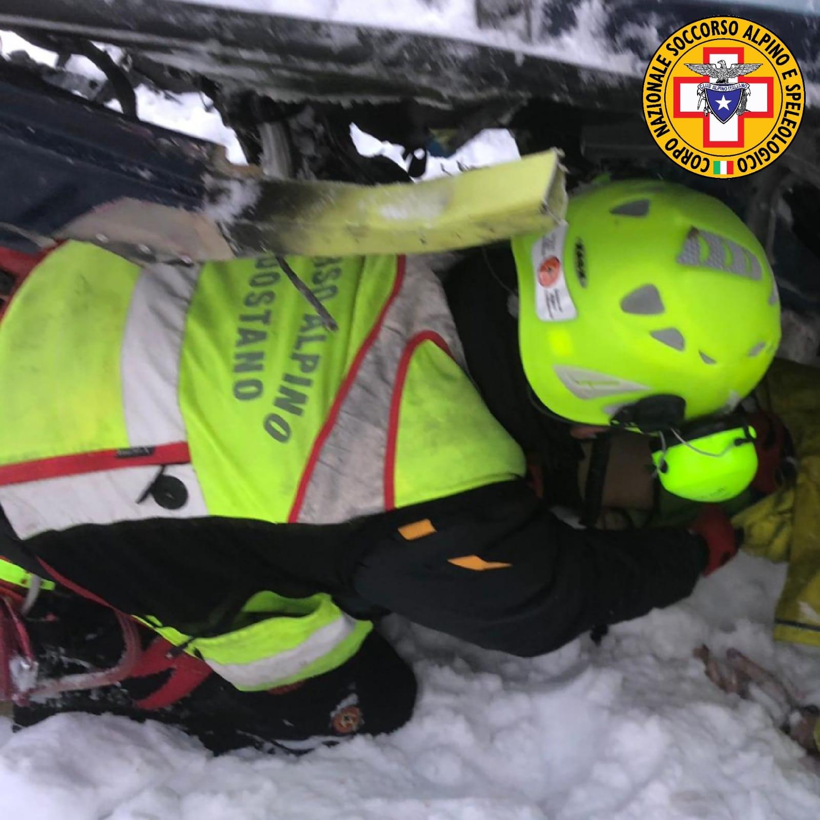 i soccorritori sul ghiacciaio del Rutor