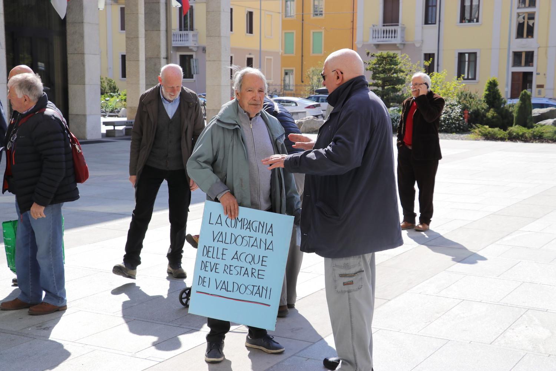 Manifestazione contro quotazione CVA