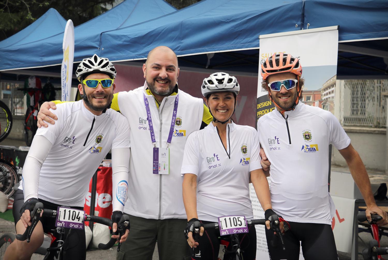 Giro E la squadra del comune di Aosta