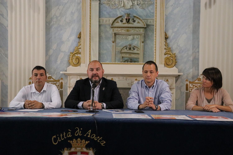 Conferenza presentazione La Piazza