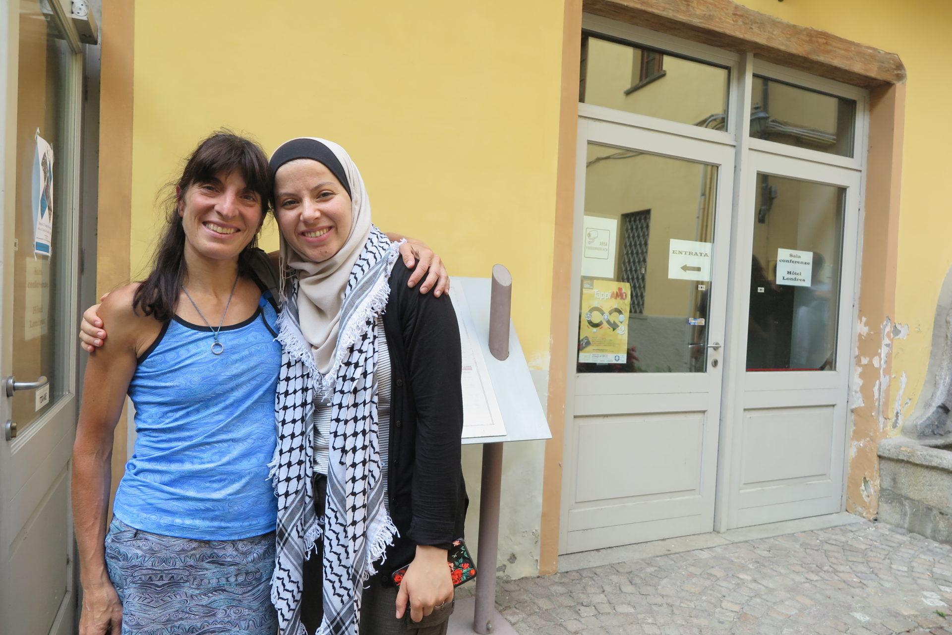 La guida alpina Anna Torretta con Yasmeen Al Najjar