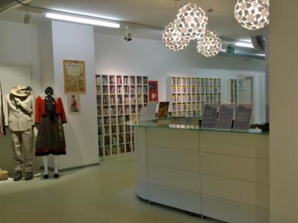 biblioteca di Courmayeur