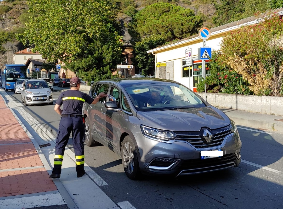 Frana A5, le code a Pont-Saint-Martin (foto dei vigili del fuoco volontari di PSM)