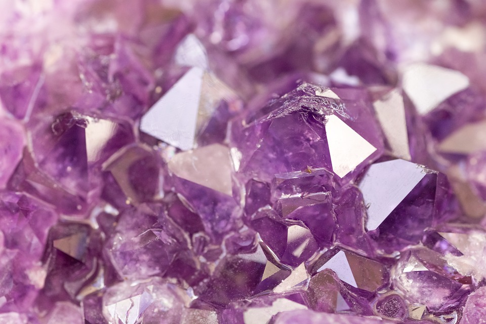 minerali ametista