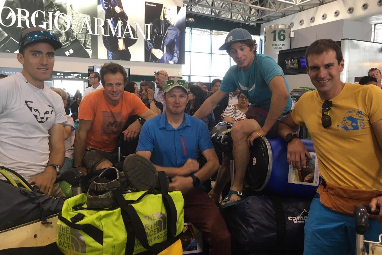 La spedizione italo svizzera alla partenza