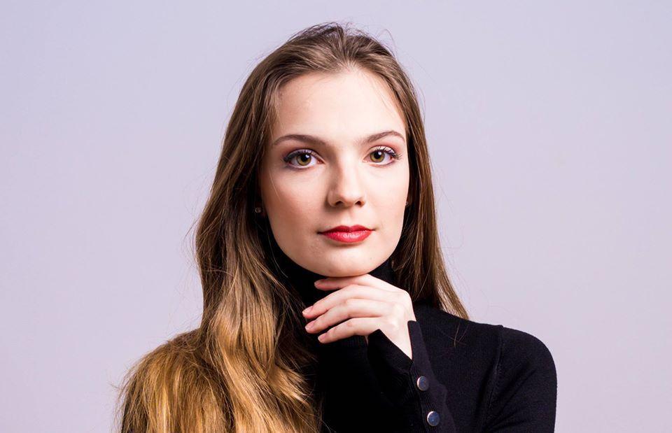Elisa Soster soprano