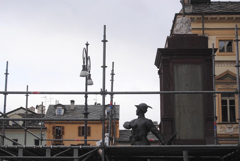 Il Monumento del Soldato Valdostano in piazza Chanoux