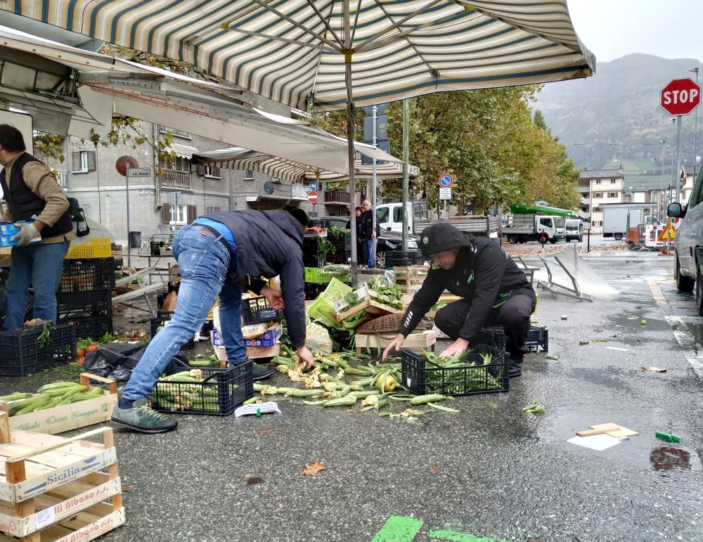 L'incidente al mercato del quartiere Cogne.