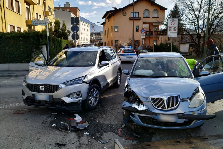 L'incidente in via Monte Solarolo ad Aosta