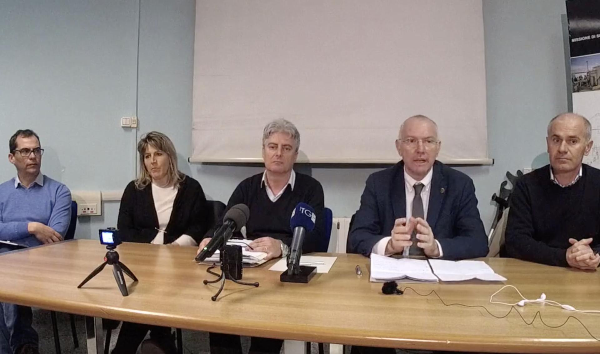 La conferenza stampa dell'Unità di crisi.