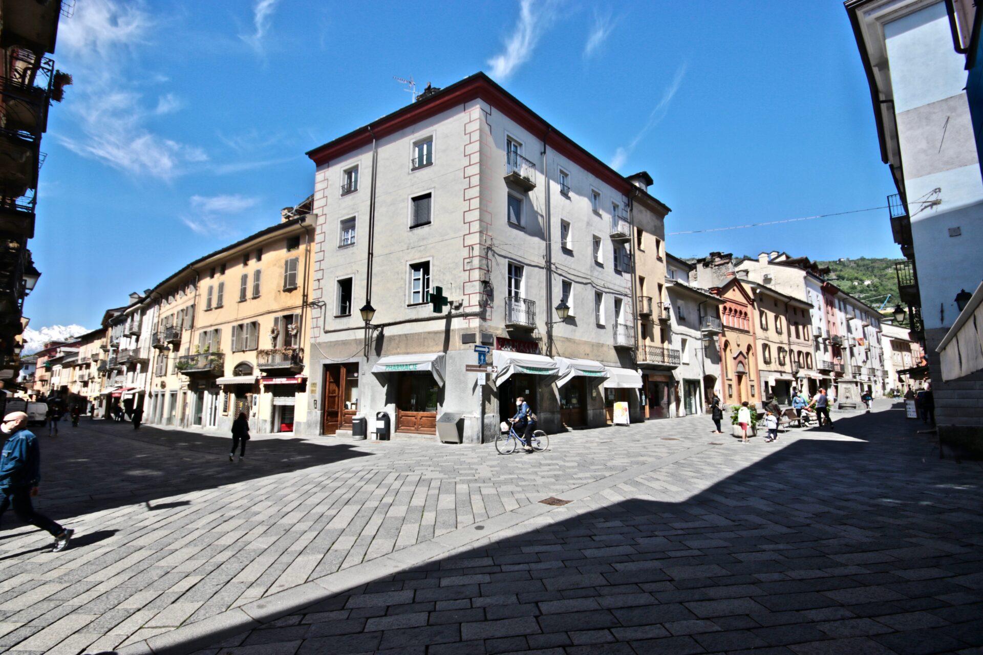 Aosta, fase 2, place des franchises