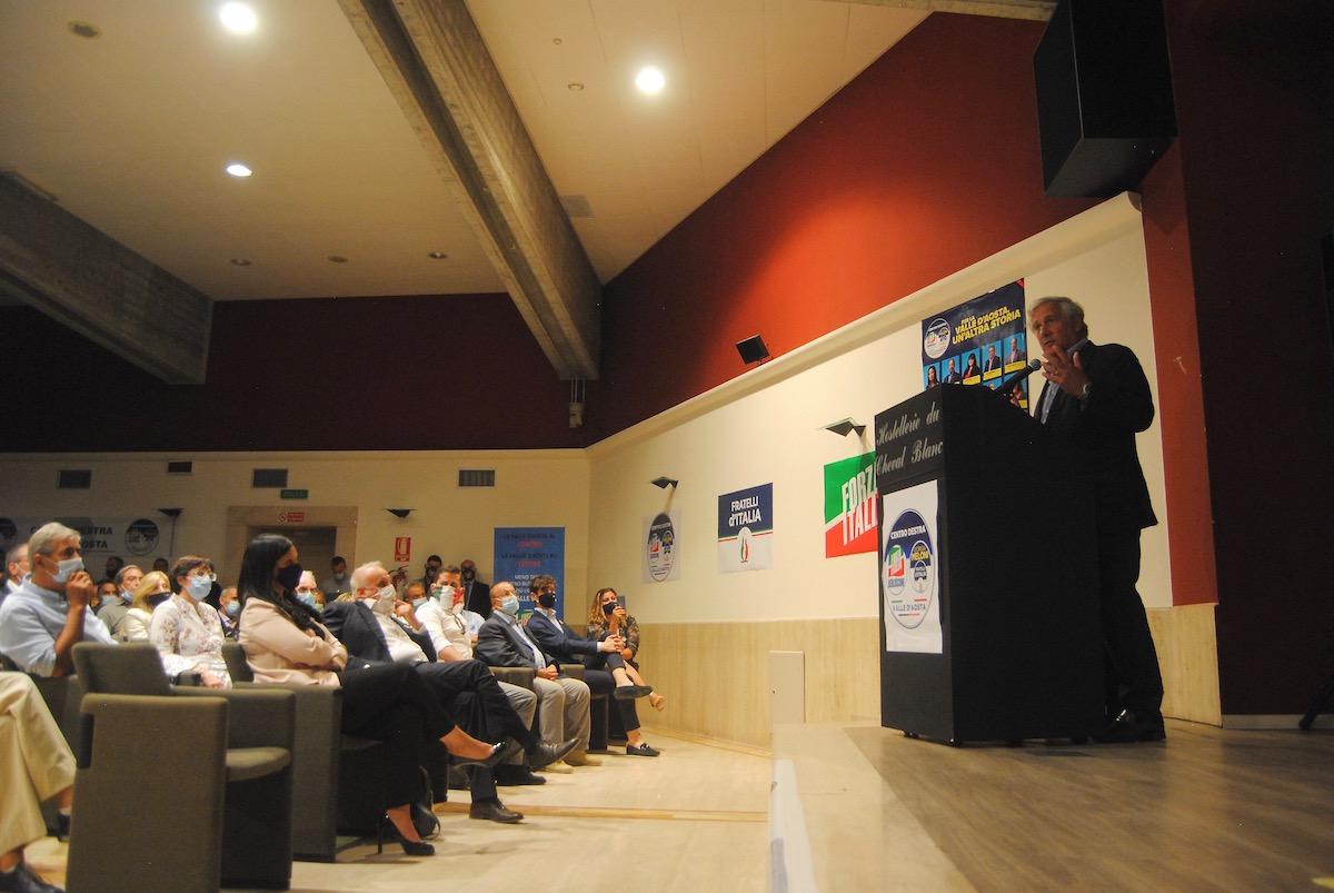 Antonio Tajani alla presentazione delle liste del Centrodestra Valle d'Aosta