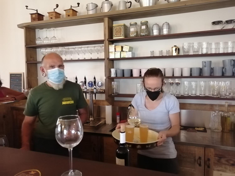 Stefano Milanesi e Francesca Zanivan del Rifugio Grauson