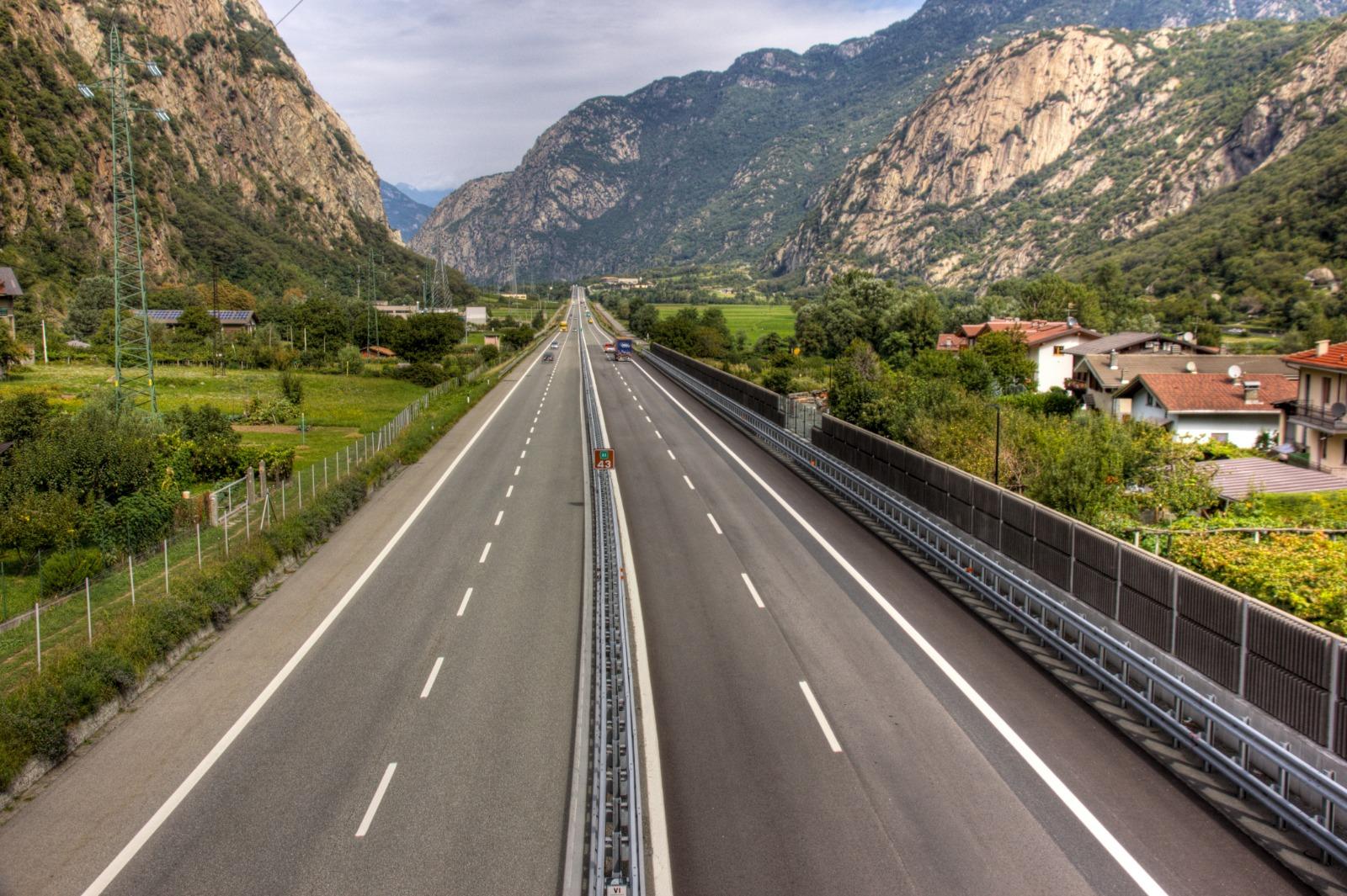 Autostrada A5 - Foto di Davide Verthuy