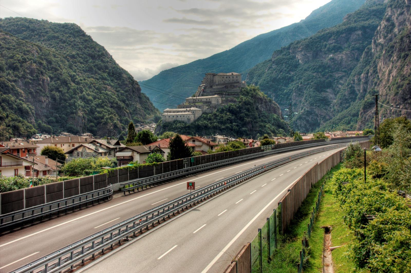 Autostrada A Foto di Davide Verthuy