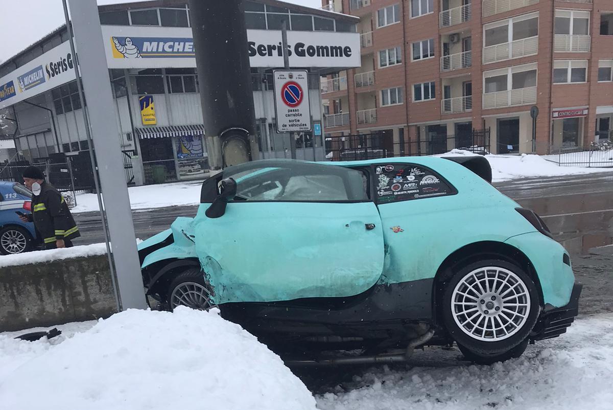 L'incidente stradale in corso Ivrea