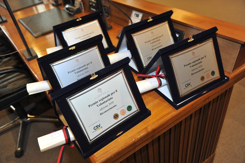 Premio volontariato targhe