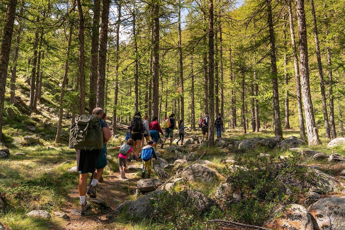 Escursionisti nel Parco Nazionale del Gran Paradiso foto Alberto Olivero