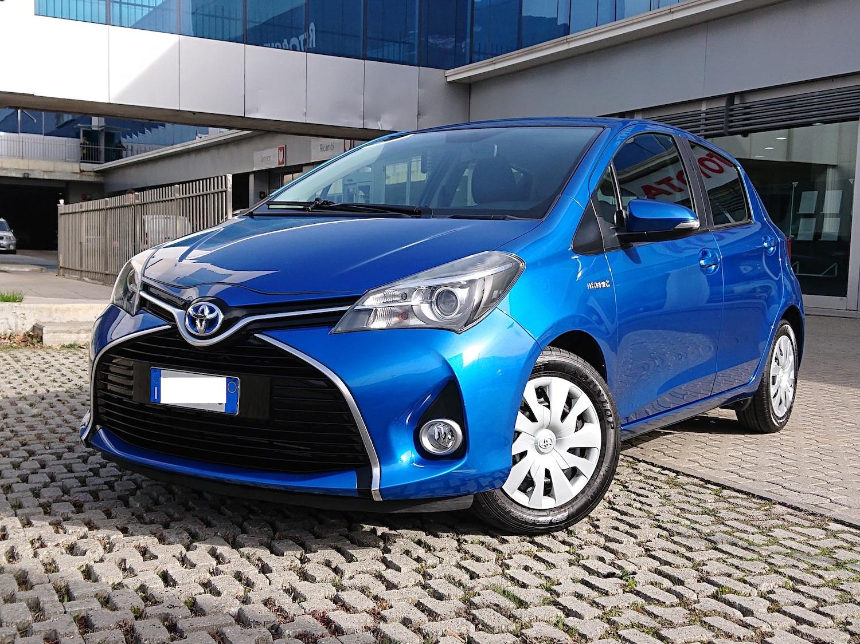Andata e Ritorno VDA Grand Paradis Toyota Yaris Hybrid