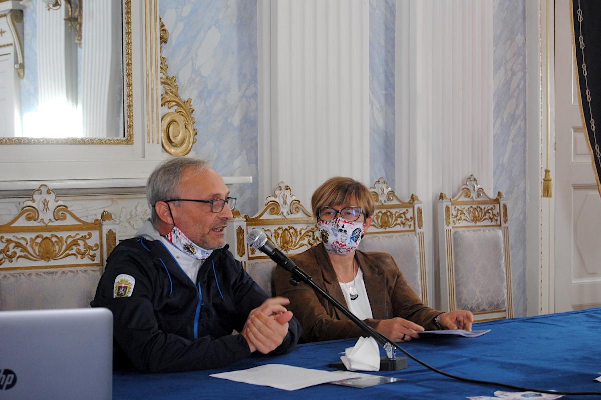 Fulvio Assanti e l'Assessora allo Sport Alina Sapinet alla presentazione del Trofeo 7 Torri 2021