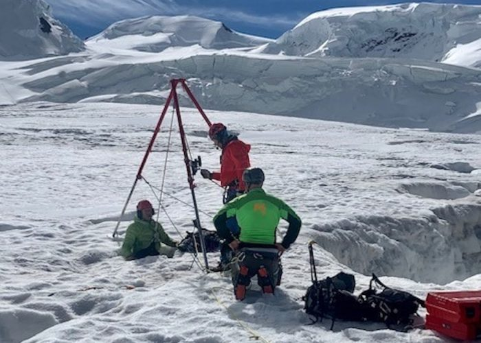 Il soccorso sul ghiacciaio del Grenz.