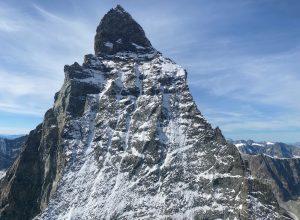 Il versante svizzero del Cervino (foto della Polizia cantonale del Vallese).