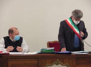 Consiglio comunale di Châtillon - da sx il Presidente del Consiglio Claudio Obert e il Sindaco Camillo Dujany