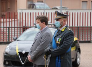 Il comandante Re e il presidente Lavevaz.
