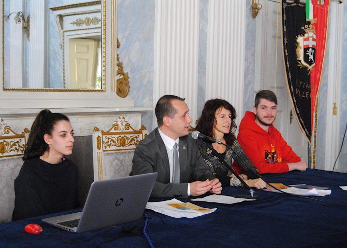 Da sx Chantal Corongiu, l'Assessore Luca Girasole, la coordinatrice Federica Obino e Federico Castiglion