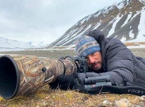 Il fotografo Stefano Unterthiner alle Isole Svalbard. Fonte: Stefano Unterthiner.