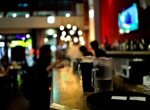 Locale bar bere