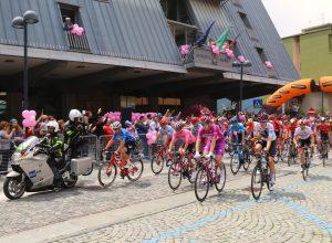 Partenza giro d'italia tappa Saint-Vincet-Courmayeur