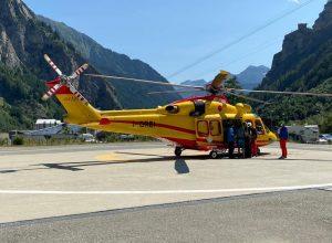 L'elicottero del SAV alla base di Courmayeur.