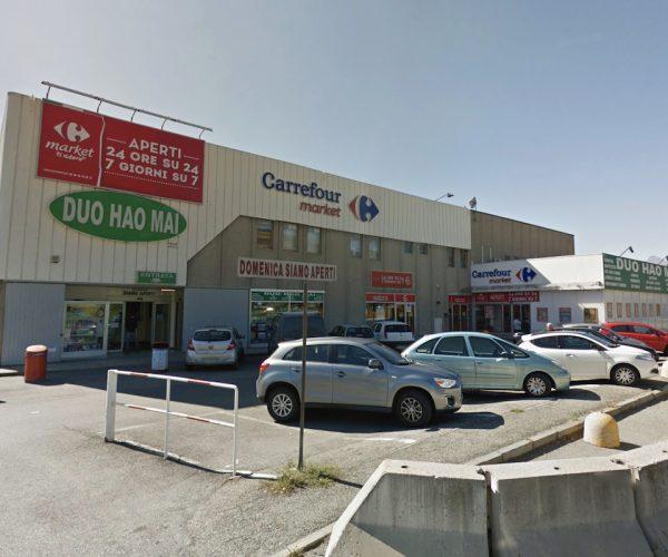 Il Carrefour Market di Saint-Christophe