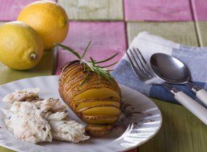 Orata al forno con contorno di patata fisarmonica